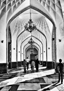 أحد ممرات صحن الغدير - مشهد